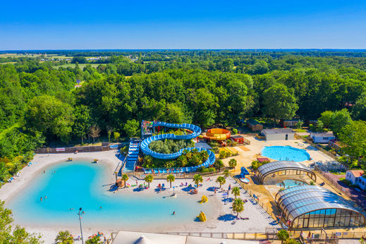 Camping holidays les chenes family holidays in medis for Camping poitou charente piscine