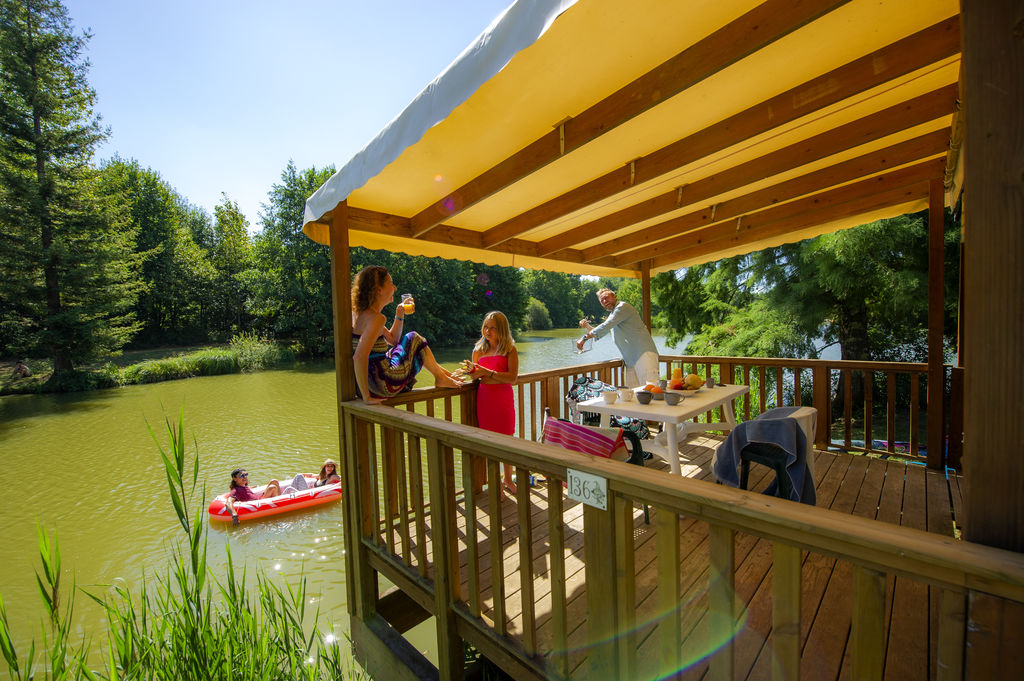 Camping Holidays Moulinal Family Holidays In Biron Aquitaine